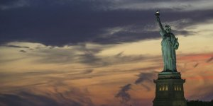 New York Özgürlük Heykeli meşalesi müzeye taşındı