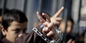 İsrail güçleri 908 Filistinli çocuğu gözaltına aldı