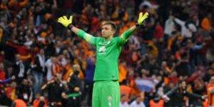 Galatasaray'ın Uruguaylı kalecisi Muslera,  300. resmi maçına çıkacak!