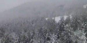 Gören hayran kalıyor! O ilimizde kar yağışı güzelliği...