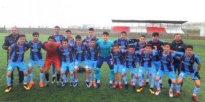 'Kardeşlik Köprüsü' nedeniyle Trabzonspor formasıyla maçlara çıkan Şehit Zafer Kılıç Spor Lisesi, şampiyon oldu!