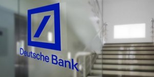 Kara para aklama şüphesiyle  Alman Deutsche Bankası zor günler geçiriyor! Yüzde 56 değer kaybetti