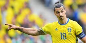 Los Angeles Galaxy, Ibrahimovic'in sözleşmesini bir yıl uzattı