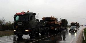 Suriye sınırına askeri sevkiyat son sürat devam ediyor