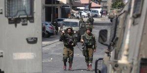 İsrail askerleri 2 Filistinliyi yaraladı