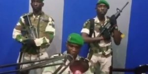 Orta Afrika ülkesi Gabon'da Darbe..