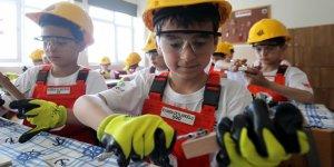 İş sağlığı ve güvenliği okul müfredatlarına giriyor