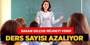 Öğrenciler Müjde: Ders sayısı azalıyor
