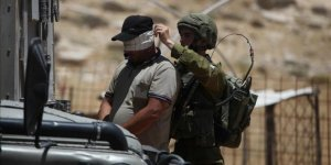 İsrail güçleri 16 Filistinliyi gözaltına aldı
