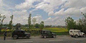 Cammu Keşmir'de paramilis konvoyuna saldırı: 18 ölü, 35 yaralı