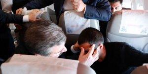 Bakan Koca'dan uçakta fenalaşan yolcuya müdahale