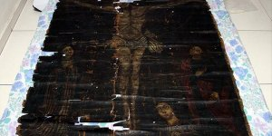 Hazreti İsa'nın 13. yüzyıla ait çarmıh tablosu ele geçirildi