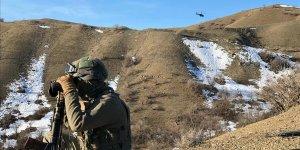 PKK'lı teröristlere ait 6 barınak ve sığınak imha edildi7