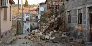 Bakan Kurum'dan deprem açıklaması!