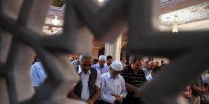 Ramazan ayının müjdecisi Berat Kandili!
