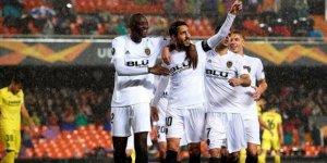 Valencia, Villarreal engelini rahat geçti!