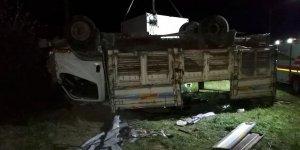 Düzensiz göçmenleri taşıyan kamyon devrildi! Çok sayıda ölü ve yaralılar var...
