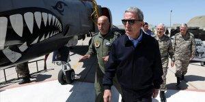Bakan Akar ve komuta kademesi, F-35 uçaklarının konuşlanacağı üs komutanlığını denetledi