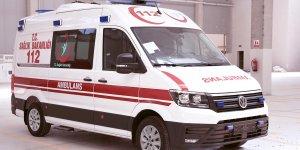 Ambulans seyir halindeyken yandı