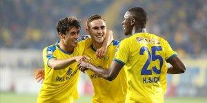 Ankaragücü 3 puana 3 golle uzandı! Lig'de kalmayı başardı!