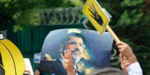 Mursi'nin oğlundan evlerde gıyabi cenaze namazı kılınması çağrısı