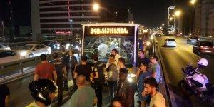 Mecidiyeköy'de metrobüs kazası! 2 kişi yaralandı!
