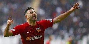 Kayserispor'un yıldızı Deniz Türüç'ü üç takım istiyor!