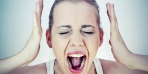 Ölüm korkusu, çıldıracak gibi hissediyor musunuz? İşte Panik atak belirtileri ve tedavi yöntemleri