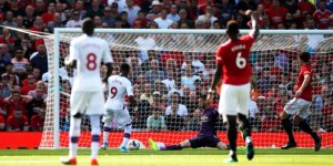Manchester United'a Crystal Palace darbesi!