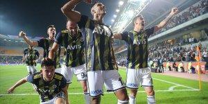 Fenerbahçe geriye düşse bile pes etmiyor