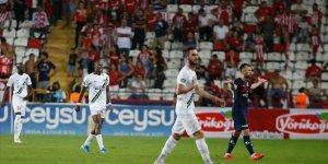 Denizlispor 3 puanı 2 golle aldı