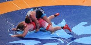 Milli güreşçi Rıza Kayaalp finalde