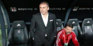 Beşiktaş taraftarından Avcı'ya istifa çağrısı