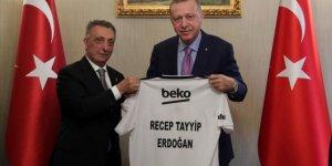Cumhurbaşkanı Erdoğan, Beşiktaş Kulübü Başkanı Çebi'yi kabul etti