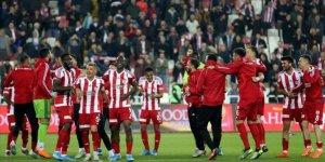 Sivasspor 10 sezon sonra liderlik koltuğuna oturdu