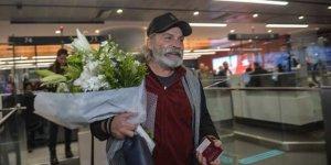 Emmy ödüllü oyuncu Bilginer İstanbul'a döndü