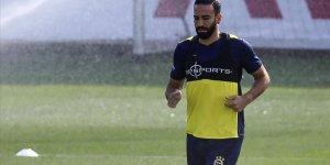 Fenerbahçe'de Adil Rami'nin sözleşmesi karşılıklı olarak feshedildi