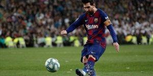 Barcelona koronavirüs nedeniyle sporcularının maaşlarında kesinti yaptı