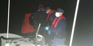 Muğla'da Türk kara sularına dönmeye zorlanan 18 sığınmacı kurtarıldı