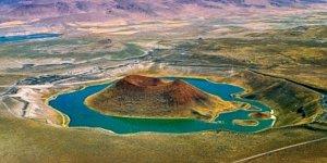 Dünyanın 'nazar boncuğu' Meke Gölü kurudu