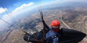 Çorum'dan, Konya'ya paraşütle uçtu