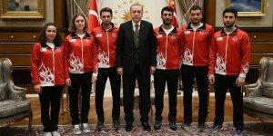 Cumhurbaşkanı Erdoğan, 2018 Kış Olimpiyatları'na katılacak Türk sporcuları kabul etti