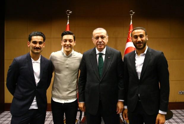 erdogan-ozil-sahin-tosun.jpg