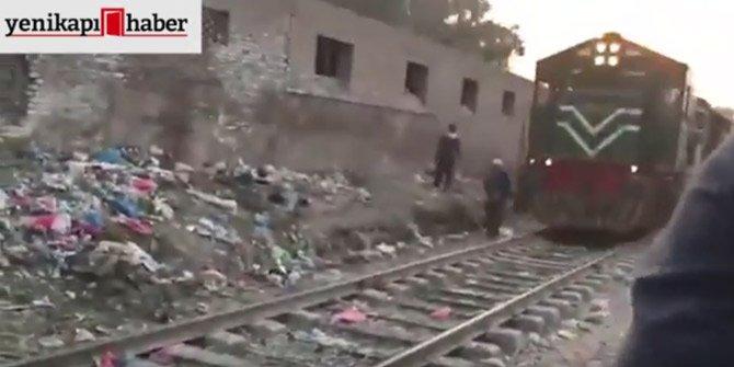 Tren yaşlı adama böyle çarptı