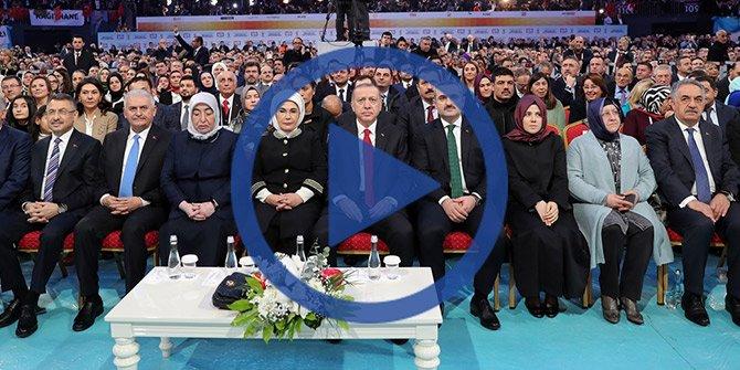 Başkan Erdoğan salona böyle geldi: İşte O anlar