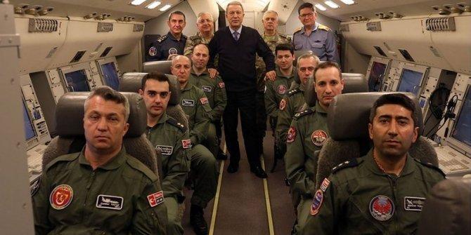 Akar ve komutanlar HİK uçağıyla birlikte uçtu