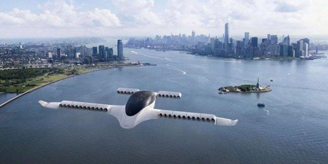Bilim kurgu filmleri gerçek oldu! Elektrikli uçan taksi yaptılar
