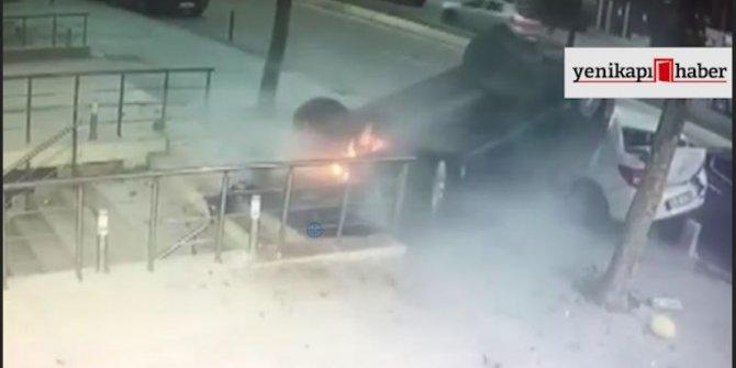 Üsküdar'da takla atan araç kaldırıma devrildi, yayalar son anda kurtuldu!