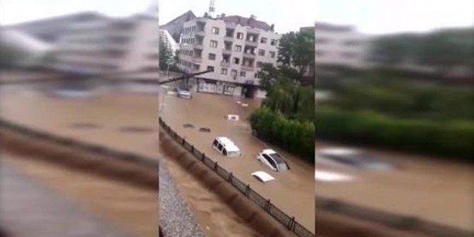 Düzce'deki sel felaketi böyle görüntülendi