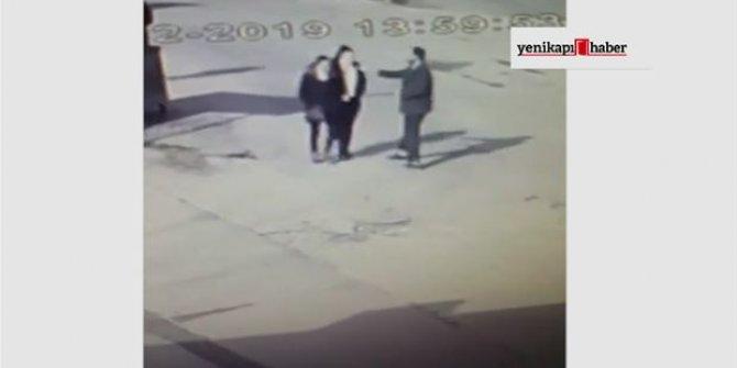 Kaldırımda yürüyen iki kadına kimyasal saldırı